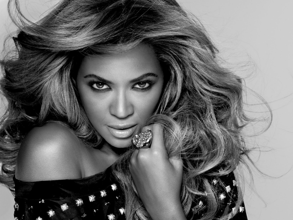 Bey-L-real-Womens-Day-beyonce-33286627-1600-1200